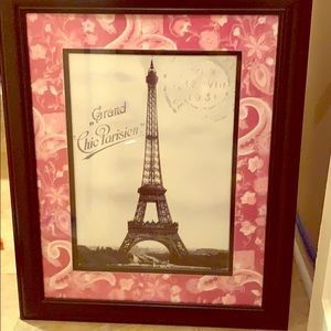 Eiffel Tower W/Pink